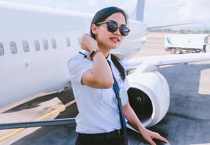 https: img.okeinfo.net content 2019 04 19 194 2045650 5-perempuan-cantik-ini-memilih-profesi-sebagai-pilot-cx0PfGCpIe.jpg