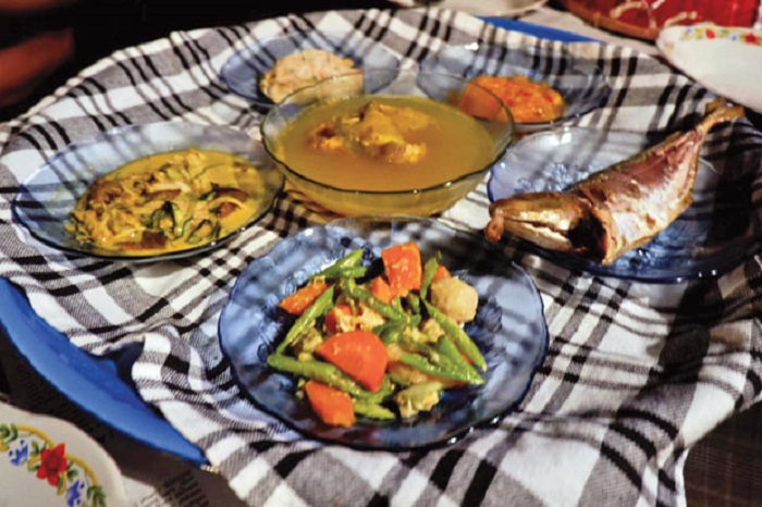 https: img.okeinfo.net content 2019 04 22 298 2046691 lezatnya-kuliner-rumahan-khas-bangka-yang-kaya-rempah-H7vMelP7cG.jpg