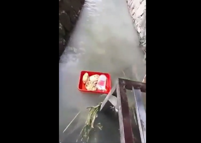 https: img.okeinfo.net content 2019 04 24 298 2047471 viral-angkringan-kirim-makan-ala-floating-breakfast-hotel-bintang-5-izdXRQ2ULj.jpg