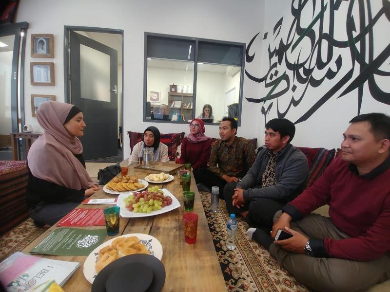 https: img.okeinfo.net content 2019 04 24 65 2047578 cerita-seru-pengalaman-peserta-pertukaran-tokoh-muda-muslim-indonesia-di-australia-WA21wjffy5.jpeg