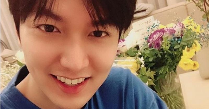https: img.okeinfo.net content 2019 04 26 33 2048276 selfie-perdana-lee-min-ho-usai-wamil-netizen-enggak-sanggup-rJMqc87Tj8.jpg