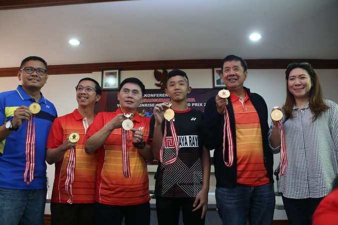 https: img.okeinfo.net content 2019 04 26 40 2048405 turnamen-bulu-tangkis-junior-kelas-dunia-kembali-digelar-di-indonesia-TF4b7UzhUq.jpg
