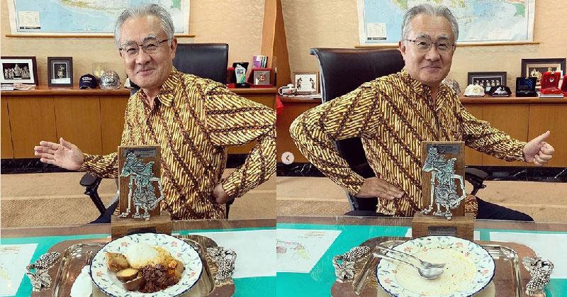 https: img.okeinfo.net content 2019 05 02 298 2050523 7-gaya-dubes-jepang-pamer-kuliner-lokal-indonesia-selalu-dimakan-sampai-piring-bersih-N2kC3oDDut.jpg