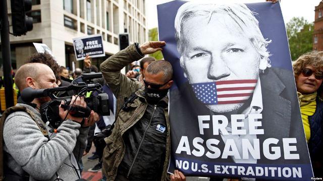 https: img.okeinfo.net content 2019 05 03 18 2050903 pendiri-wikileaks-julian-assange-menolak-diekstradisi-ke-amerika-0uU5jQNHCE.jpg