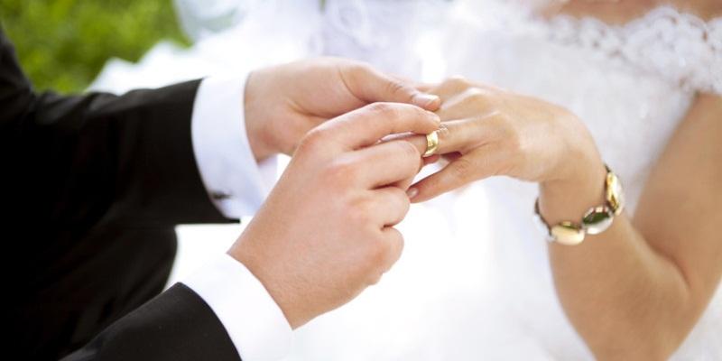 https: img.okeinfo.net content 2019 05 04 320 2051501 trik-mengumpulkan-uang-untuk-nikah-dalam-waktu-1-tahun-6eWl0FAS1R.jpg