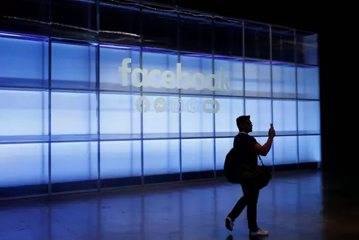 https: img.okeinfo.net content 2019 05 06 207 2051992 mark-zuckerberg-umumkan-fitur-baru-facebook-messenger-dan-whatsapp-SayxqjC2Il.jpg