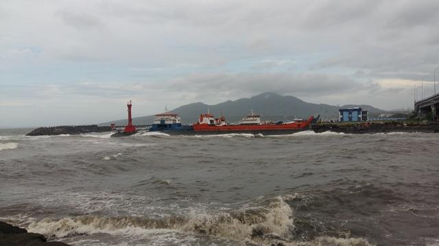 https: img.okeinfo.net content 2019 05 07 337 2052443 gelombang-tinggi-masih-berpotensi-terjadi-di-perairan-indonesia-ini-lokasinya-831K174iTw.jpg