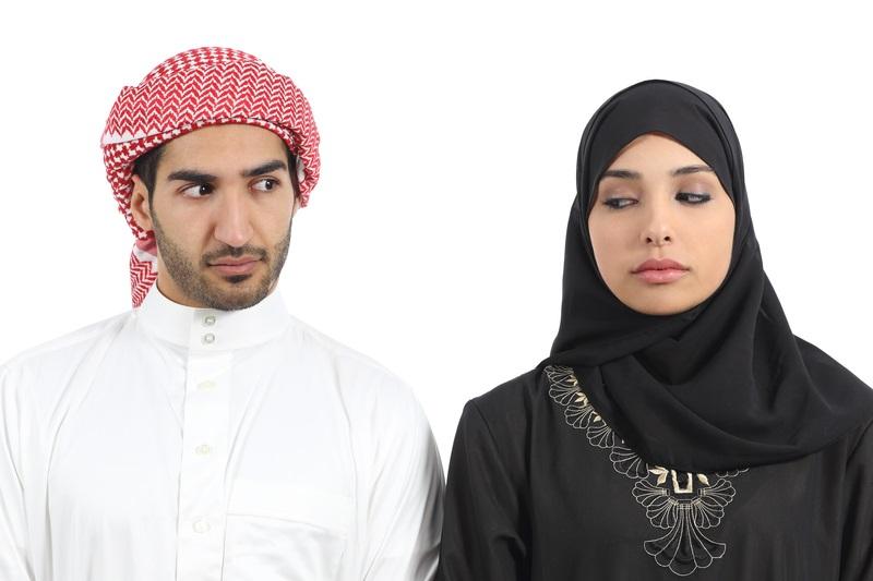 https: img.okeinfo.net content 2019 05 07 614 2052417 pria-melirik-perempuan-bukan-muhrim-saat-puasa-bagaimana-hukumnya-Hn8f80I35w.jpg