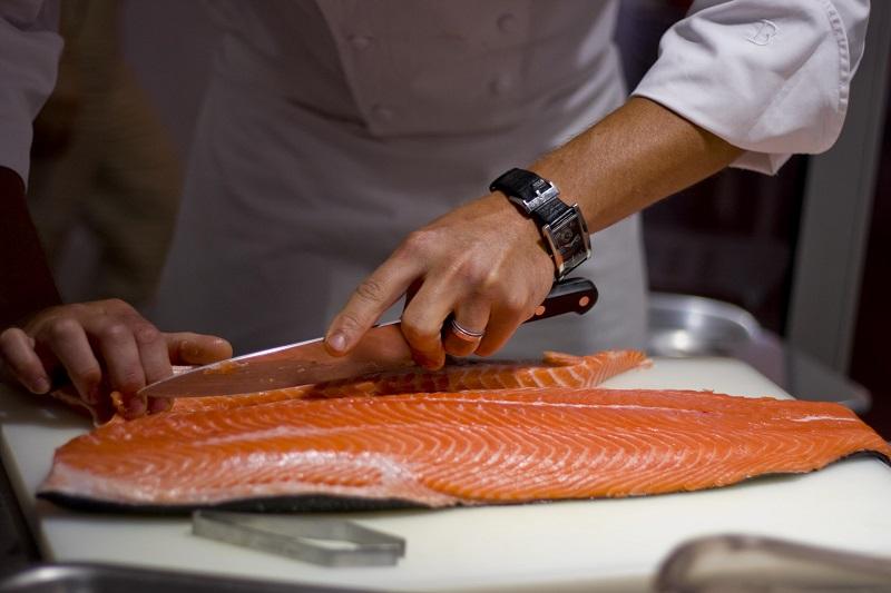 https: img.okeinfo.net content 2019 05 08 298 2053102 perbaikan-kualitas-ikan-laut-untuk-dikonsumsi-masyarakat-luas-MVBxlmVbbz.jpg