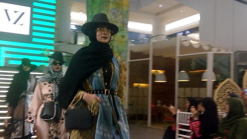 https: img.okeinfo.net content 2019 05 09 617 2053714 bisa-go-internasional-modest-fashion-indonesia-harus-tahu-pasar-OnJGP0xgEG.jpg