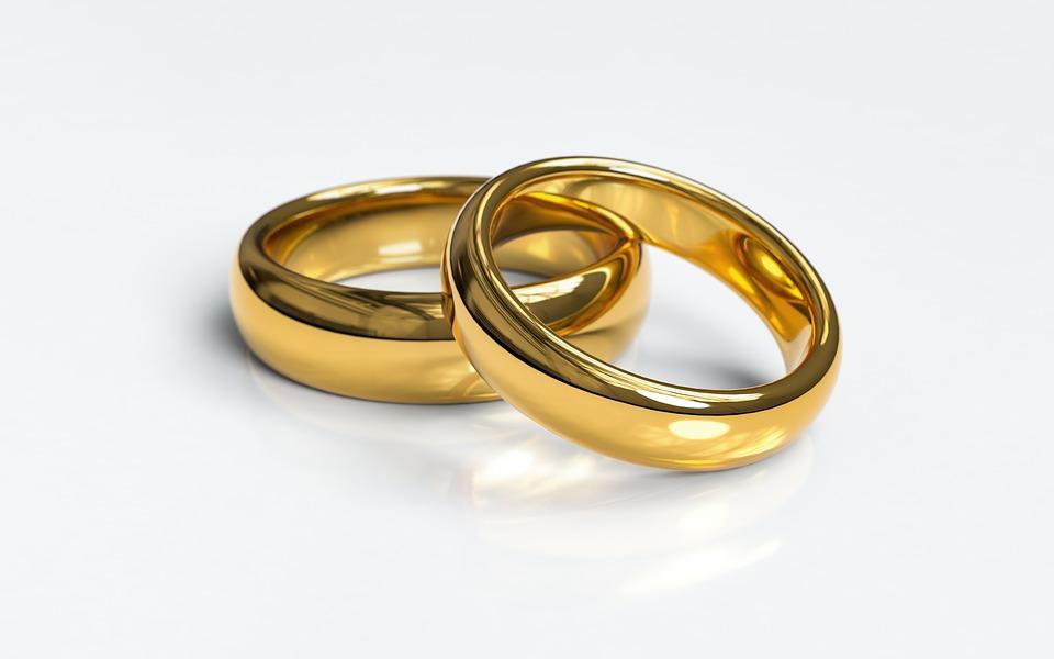 https: img.okeinfo.net content 2019 05 12 196 2054724 kisah-kebahagiaan-koh-acan-yang-berhasil-satukan-perbedaan-dengan-sang-istri-NOr1oawkDh.jpg