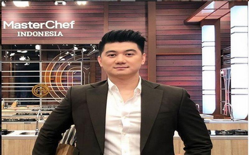 https: img.okeinfo.net content 2019 05 14 33 2055438 istri-didoakan-keguguran-oleh-bocah-chef-arnold-lapor-polisi-ji73eOBYZ1.jpg