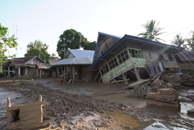 https: img.okeinfo.net content 2019 05 14 340 2055315 bencana-30-tahun-itu-kembali-menyapu-ratusan-rumah-di-bengkulu-cC4oqPiehD.jpg