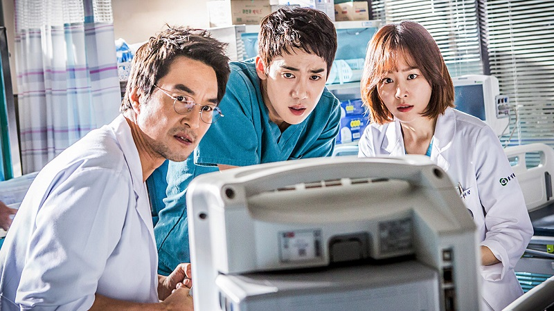 https: img.okeinfo.net content 2019 05 14 598 2055484 yoo-yeon-seok-dan-seo-hyun-jin-batal-bintangi-romantic-doctor-kim-2-YMAUBdhG28.jpg