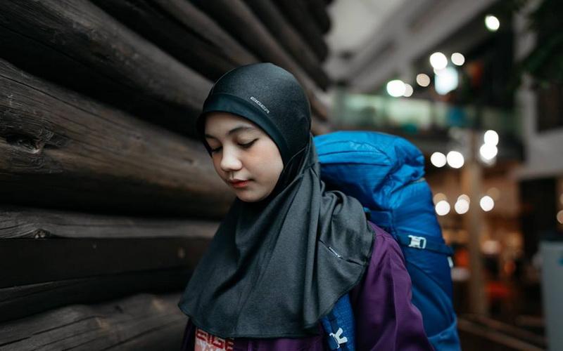 https: img.okeinfo.net content 2019 05 14 617 2055497 hijab-sport-manjakan-wanita-muslim-berjiwa-petualang-zpmqWKhOyQ.jpg