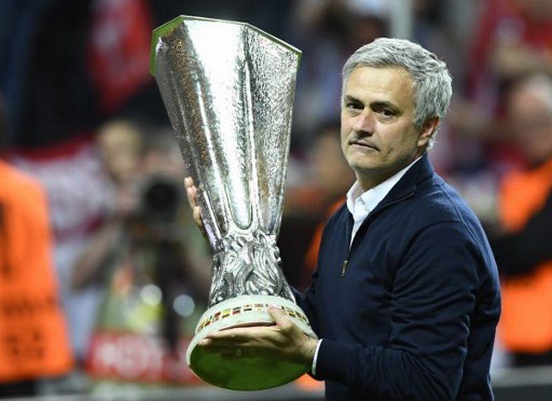 https: img.okeinfo.net content 2019 05 16 51 2056271 koleksi-trofinya-disalip-guardiola-mourinho-tak-mau-kalah-S5NCGE7zdO.jpg
