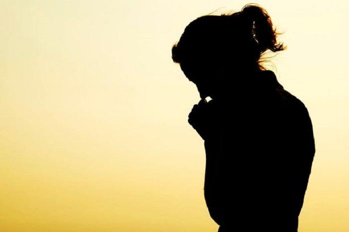 https: img.okeinfo.net content 2019 05 18 196 2057212 16-tahun-menikah-belum-dikaruniai-anak-sempat-hamil-tapi-saya-harus-ikhlas-mengembalikannya-pada-tuhan-dVh2LefncZ.jpg