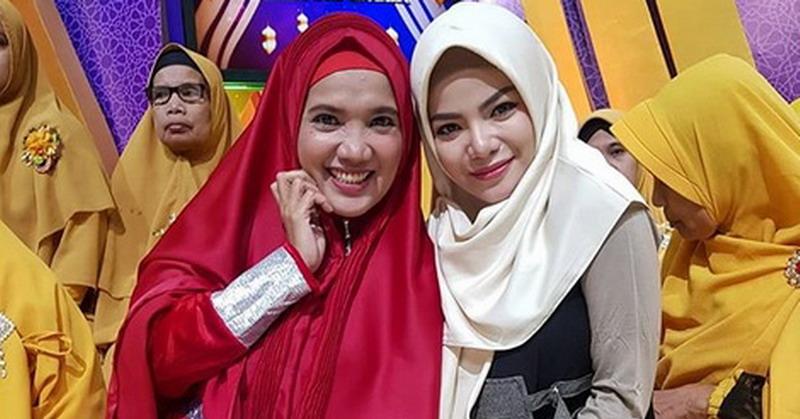 https: img.okeinfo.net content 2019 05 20 33 2058092 dinar-candy-ungkap-alasan-kenakan-hijab-selama-ramadan-0J8y4FsuM8.jpg