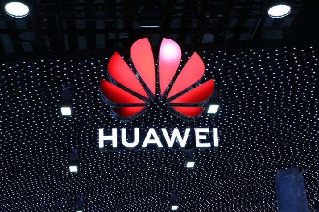 https: img.okeinfo.net content 2019 05 21 207 2058489 lisensi-android-dicabut-huawei-bikin-os-bernama-hongmeng-R3ZIKHch96.jpg