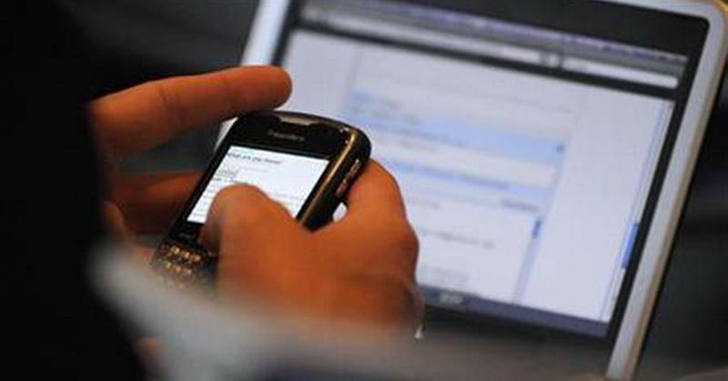 https: img.okeinfo.net content 2019 05 21 57 2058548 pilih-smartphone-atau-laptop-cek-gadget-yang-cocok-untuk-anda-dengan-kuis-ini-Uh0Q46ErTP.jpg