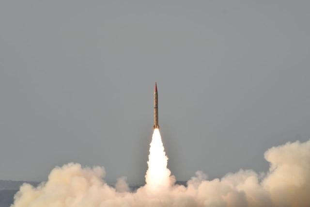 https: img.okeinfo.net content 2019 05 24 18 2059956 pakistan-uji-coba-misil-pembawa-hulu-ledak-nuklir-C1LEwISFyh.jpg