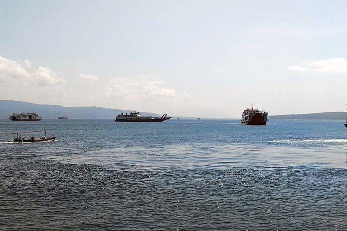 https: img.okeinfo.net content 2019 05 24 244 2059953 arus-mudik-2019-penumpang-di-pelabuhan-gilimanuk-naik-hingga-7-aPj3XJuqQP.jpg