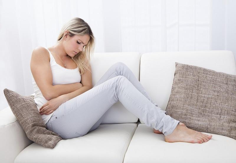 https: img.okeinfo.net content 2019 05 24 481 2059850 ingin-hilangkan-nyeri-wanita-ini-oleskan-darah-menstruasi-ke-wajah-6j05zlXG7e.jpg