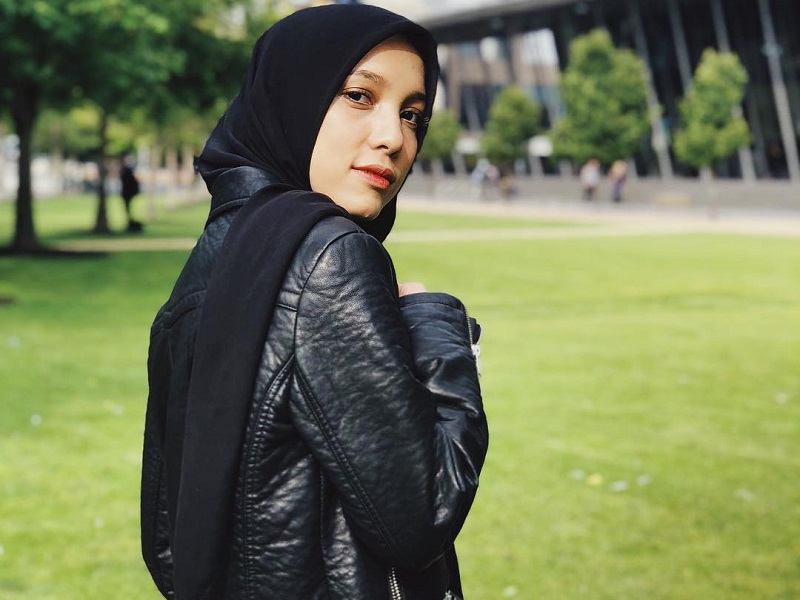 https: img.okeinfo.net content 2019 05 27 617 2060970 curhat-jenahara-aku-ingin-dikenal-enggak-semata-mata-sebagai-fashion-desainer-YYIYeI8Iwl.jpg
