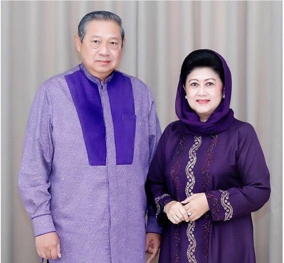 https: img.okeinfo.net content 2019 06 01 617 2062925 5-potret-cantik-ani-yudhoyono-mengenakan-hijab-Br6x6FqjQS.jpg