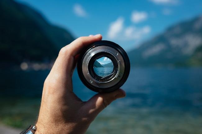 https: img.okeinfo.net content 2019 06 05 92 2063888 4-cara-merawat-lensa-kamera-anda-4DS8ns1uvE.jpg