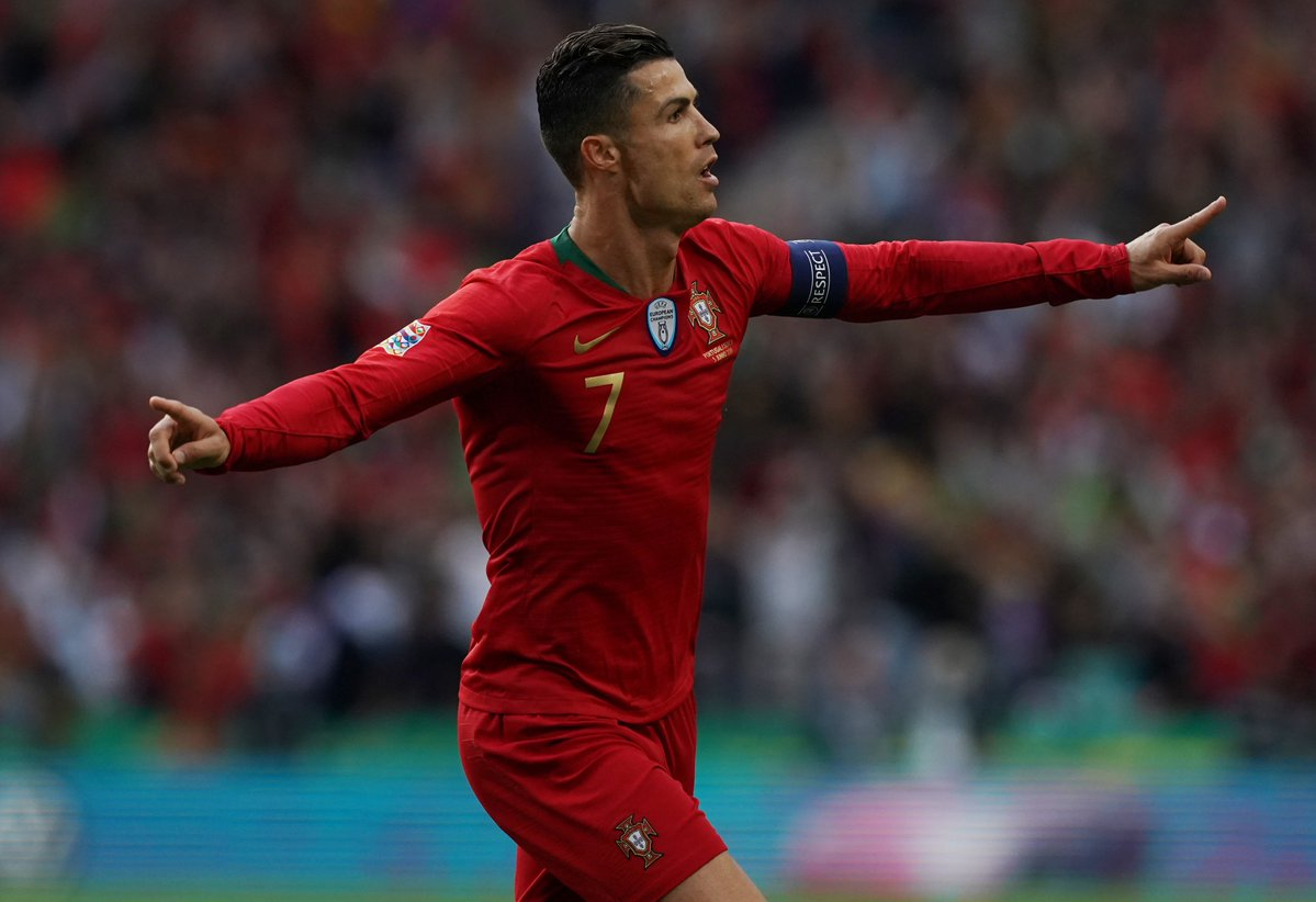 https: img.okeinfo.net content 2019 06 06 51 2064034 hattrick-ronaldo-antarkan-portugal-ke-final-uefa-nations-league-2018-2019-WKn5BBv5I6.jpg