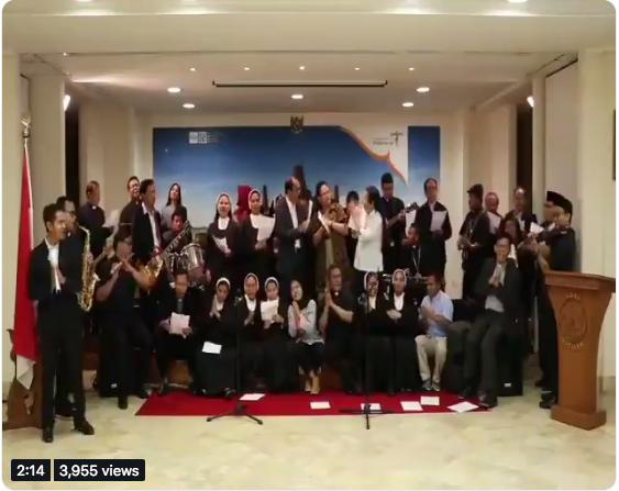 https: img.okeinfo.net content 2019 06 06 614 2064005 meriahkan-lebaran-kbri-vatikan-nyanyikan-lagu-untuk-umat-muslim-V8PvDjNFOG.png
