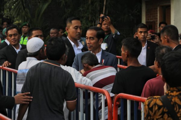 https: img.okeinfo.net content 2019 06 07 510 2064315 presiden-jokowi-silaturahmi-ke-keraton-yogyakarta-mgNHlDbG33.jpg