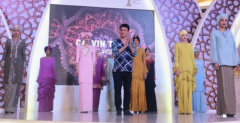 https: img.okeinfo.net content 2019 06 10 194 2064894 ini-alasan-banyak-desainer-asing-incar-pasar-fashion-di-indonesia-GHNaOHLwS8.jpeg