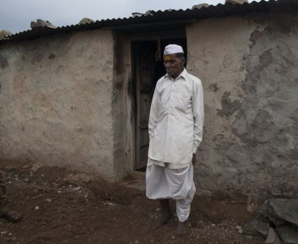https: img.okeinfo.net content 2019 06 11 18 2065251 warga-india-yang-terpaksa-bertahan-di-daerah-panas-dan-kering-kerontang-QlhUYJx1vd.jpg