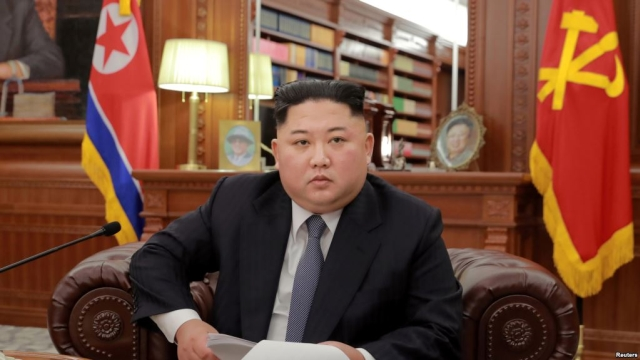 https: img.okeinfo.net content 2019 06 11 18 2065274 kim-jong-un-eksekusi-jenderal-tubuh-dibuang-ke-dalam-tangki-berisi-piranha-REou6tLJto.jpg