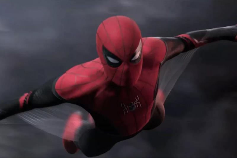 https: img.okeinfo.net content 2019 06 12 206 2065566 peter-parker-tunjukkan-kostum-spider-man-buatannya-di-far-from-home-kHe7dE1wG7.jpg