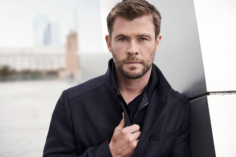 https: img.okeinfo.net content 2019 06 13 206 2065930 jasa-chris-hemsworth-di-balik-kesuksesan-tom-holland-sebagai-spider-man-3lYl1XjmUY.jpg