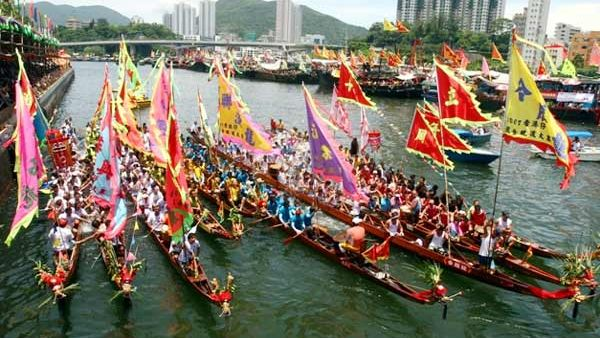 https: img.okeinfo.net content 2019 06 14 406 2066288 lomba-perahu-pulau-seraya-jadi-ikon-baru-destinasi-labuan-bajo-1XZRgcPrAC.jpg