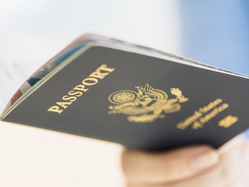 https: img.okeinfo.net content 2019 06 16 244 2067027 hingga-juni-2019-imigrasi-temukan-puluhan-wna-berpaspor-palsu-RumDhO1WR3.jpg
