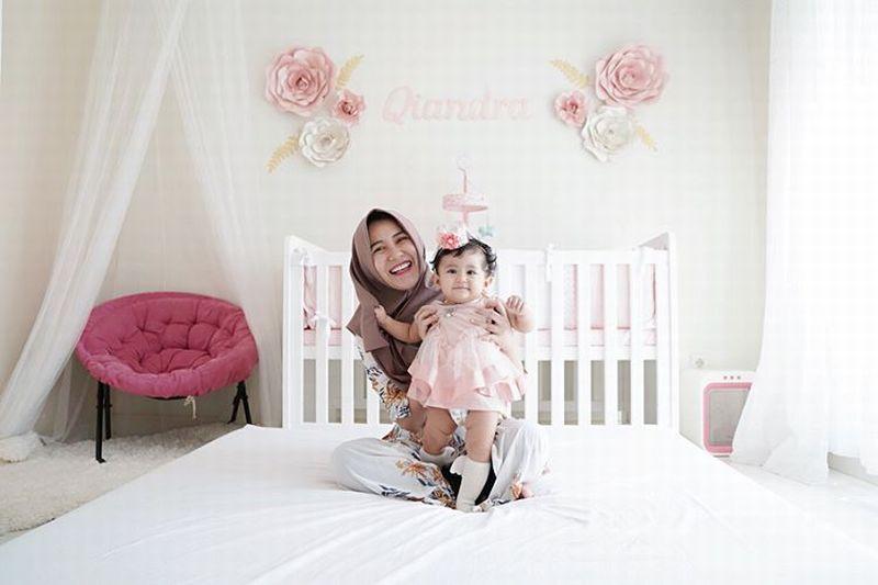 https: img.okeinfo.net content 2019 06 17 194 2067567 gaya-modis-hijab-kekinian-ala-ryana-dea-jy3MpvAVVO.jpg