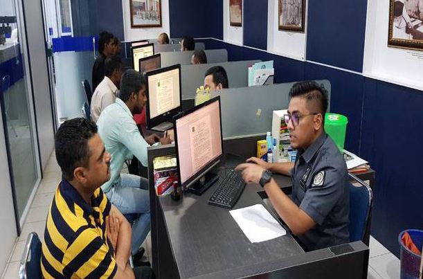 https: img.okeinfo.net content 2019 06 17 340 2067299 4-wna-ilegal-asal-malaysia-nikahi-siri-warga-kapuas-hulu-chWqgy842G.JPG