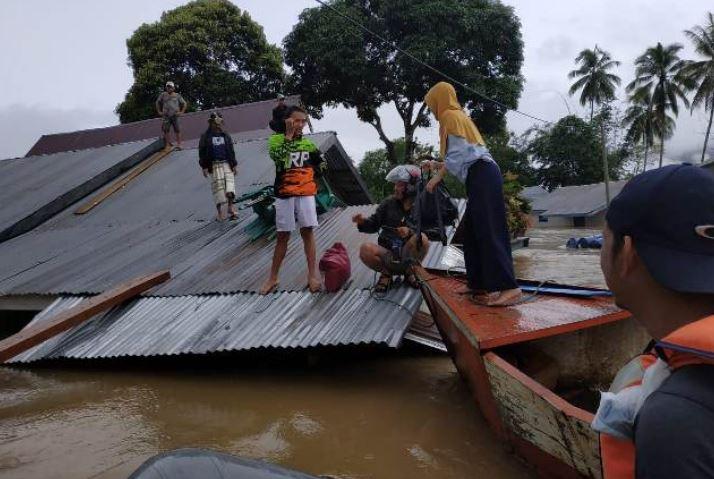 https: img.okeinfo.net content 2019 06 17 340 2067481 masa-tanggap-darurat-banjir-di-konawe-utara-diperpanjang-2-pekan-qv8Bow2h8g.JPG