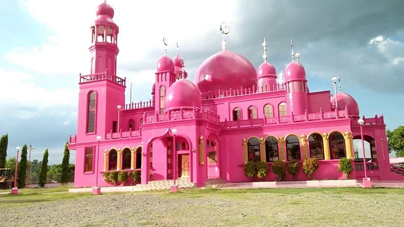 https: img.okeinfo.net content 2019 06 17 615 2067442 keunikan-4-masjid-berwarna-pink-di-dunia-salah-satunya-ada-di-indonesia-CVaIyfJJDQ.jpg