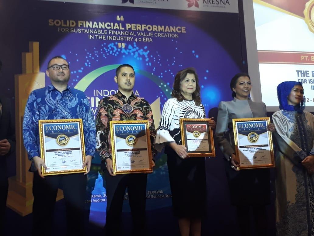 https: img.okeinfo.net content 2019 06 20 320 2068892 mnc-bank-raih-penghargaan-dari-indonesia-finance-awards-20RwM3OFPa.jpg