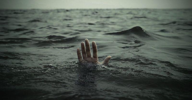 https: img.okeinfo.net content 2019 06 20 510 2068778 mantan-pesepakbola-pss-sleman-hilang-ditelan-ombak-demi-selamatkan-putrinya-1IVKmHFRyd.jpg