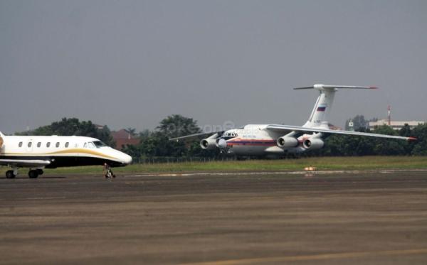 https: img.okeinfo.net content 2019 06 20 525 2068833 pesawat-malindo-air-tergelincir-di-bandara-husein-sastranegara-bandara-ditutup-ctvx9BfCwV.jpg