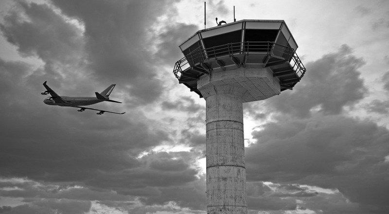 https: img.okeinfo.net content 2019 06 20 609 2068591 suara-radio-amatir-ganggu-pilot-saat-terbang-airnav-terima-18-aduan-eY4s4PZLe4.jpg