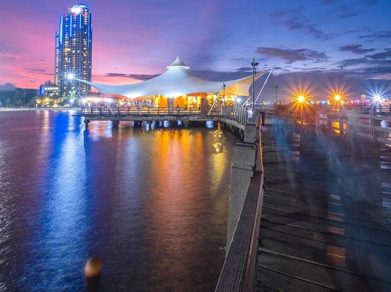 https: img.okeinfo.net content 2019 06 21 406 2069217 4-spot-wisata-malam-di-jakarta-yang-paling-asyik-untuk-nongkrong-BTU3QhnmLp.jpg