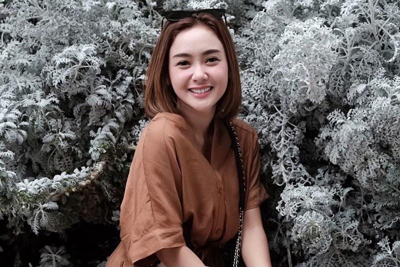 https: img.okeinfo.net content 2019 06 22 33 2069578 janda-muda-intip-potret-cita-citata-yang-memesona-VPTX7sxJya.jpg